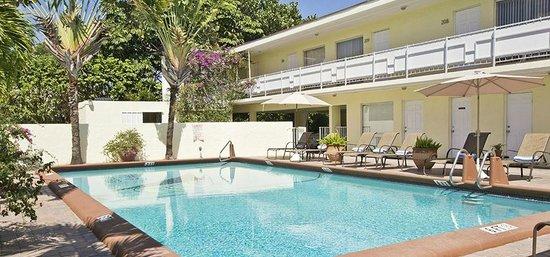 Ocean Lodge: exterior 