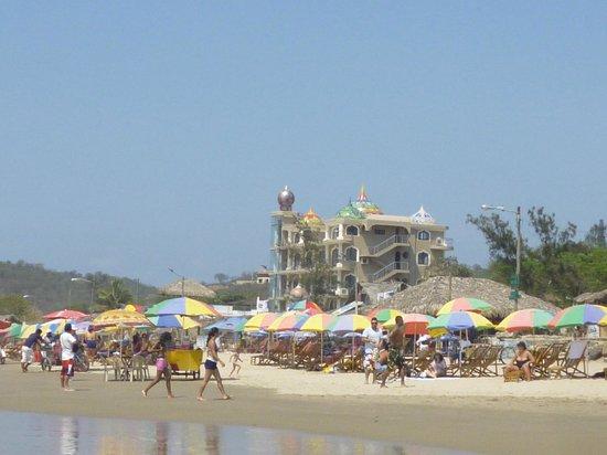 Hotel Montanita: Vista de la Playa detras del Hotel
