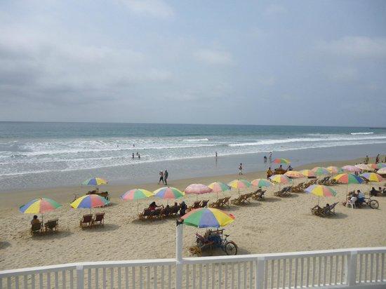 Hotel Montanita: Vista de la playa