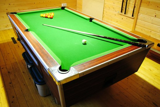 Little Boynes Holiday Cottages: Pool in the Games Room