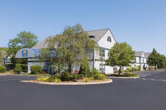 Regency Inn & Suites: Comfort Inn Exterior