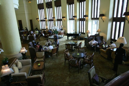 Park Hyatt Saigon: Main Ground Floor Lounge, Tae Room & Piano Bar (evening)