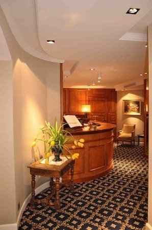 Hotel Splendid: reception desk