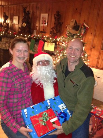 Flying E Ranch: Our unexpected visit with Santa (and he brought wonderul gifts too!)