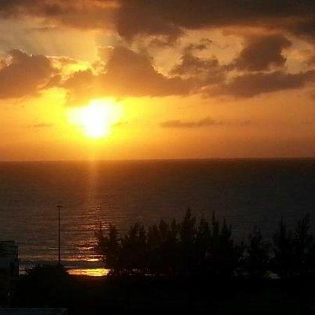 Hotel Folias: Aussicht 7. OG Sonnenaufgang