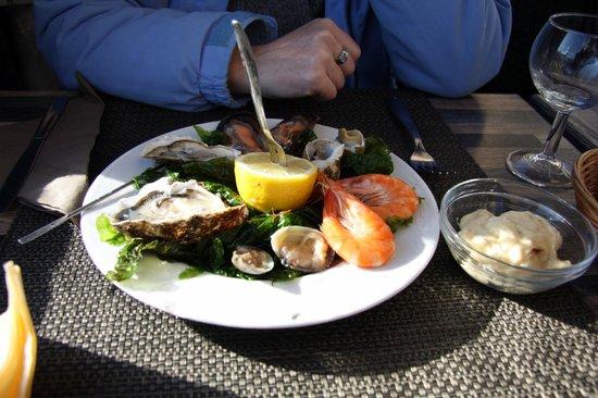 fresh set - picture of la cuisine au beurre, marseille - tripadvisor