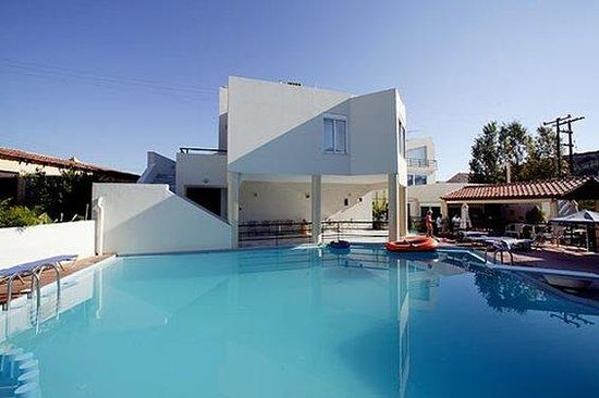 Elma's Dream Apartments & Villas: Pool