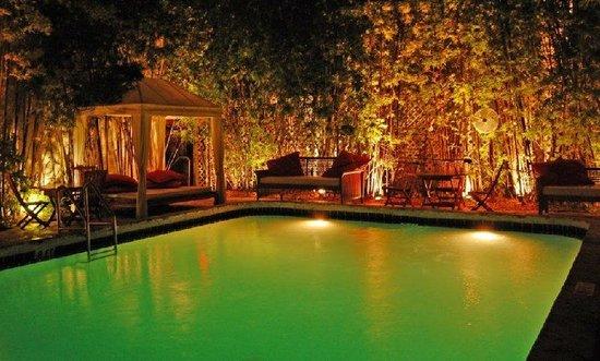 Catalina Hotel & Beach Club: Pool Sideview