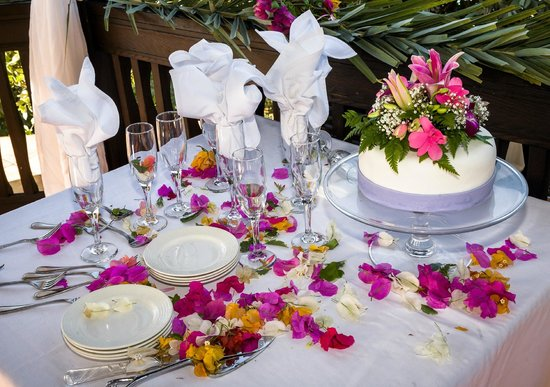 Blue Waters Antigua: The table set set with the cake on the wedding day