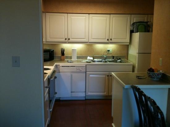 Lodge Alley Inn: Full kitchen!