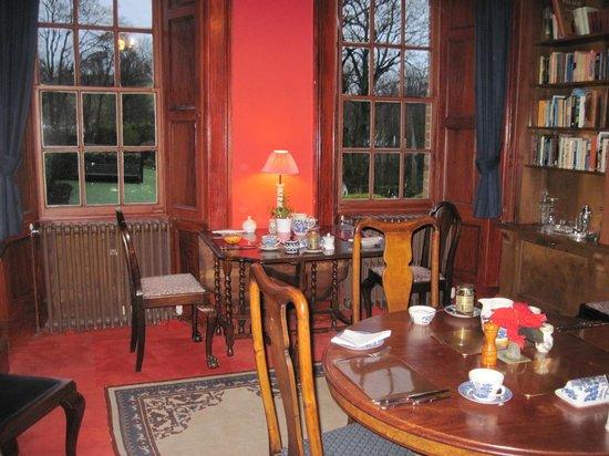 Stanshope Hall: Breakfast room