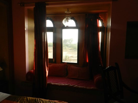 Chandra Niwas: fort view room as told by hotel staff