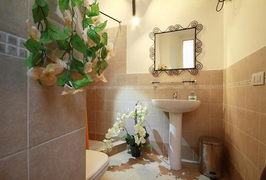 B&B Calamatta: private bathroom