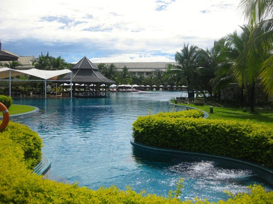 Sofitel Krabi Phokeethra Golf & Spa Resort: The wonderful pool