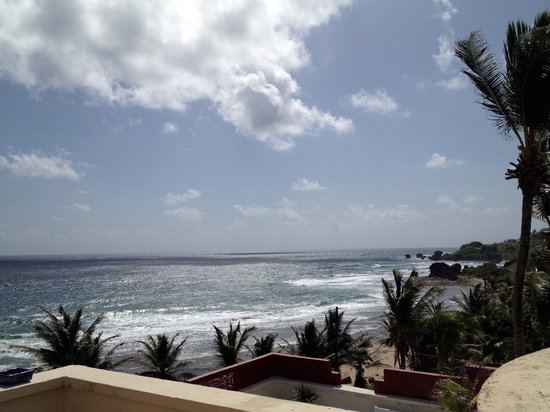 Round House Inn: Bathsheba beach