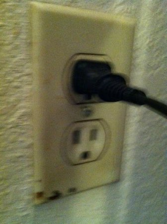Pioneer Hotel & Gambling Hall: another filthy outlet