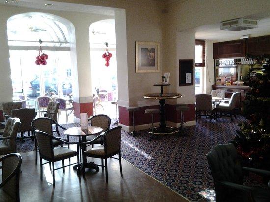 Elstead Hotel: Bar area
