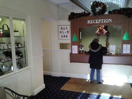 Elstead Hotel: Reception