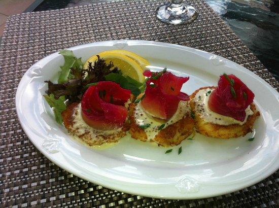 The Coast Hillcrest Resort Hotel Restaurant: Salmon Appetizer
