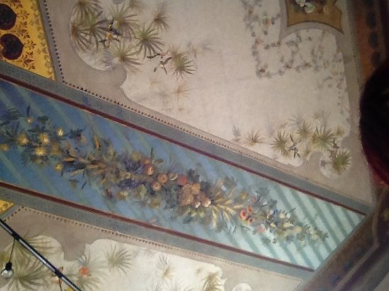 Park View B&B : Detail of affrescoed ceiling in the lounge