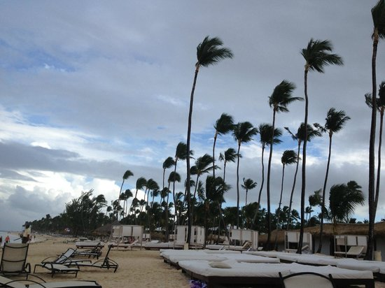 Paradisus Punta Cana Resort: The beach - windy day but was beautiful