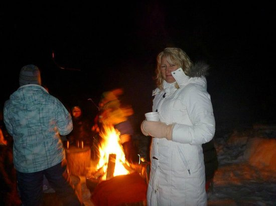 Baker Creek Mountain Resort: Fire pit on grounds