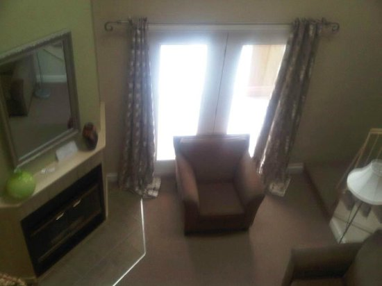 Hotel Suites Lac-Brome: Living area