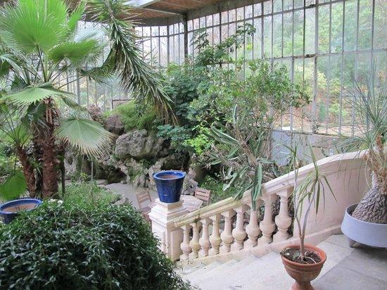 Chateau Bouvet Ladubay: Atrium at Chateau Bouvet Ludabay