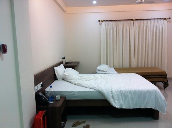 Residency Guest House: double bedroom