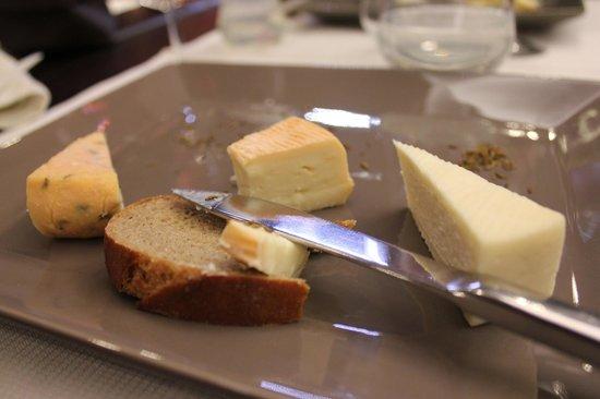 Les Alisiers Hotel-Restaurant: Trois munsters