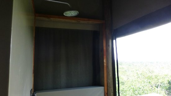 Wilderness Safaris Rocktail Camp: open air shower