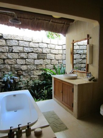 Mia Resort Mui Ne: Bungalow room Garden view - bathroom