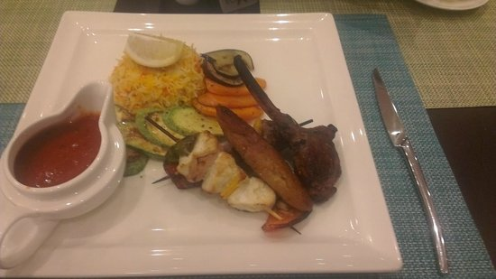 Ramada Encore Doha : The Arabic mixed Grill - Very nice