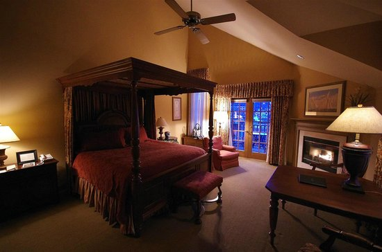 The Herrington Inn & Spa: Suite 301, HUGE rooms!