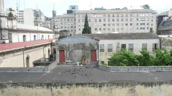Moreno Hotel Buenos Aires: Vue de la fenêtre sur chambre