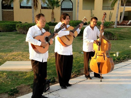 Marquis Los Cabos All-Inclusive Resort & Spa: Mariachi during wedding reception
