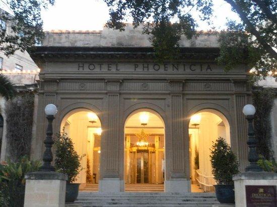 Hotel Phoenicia: L'entrée