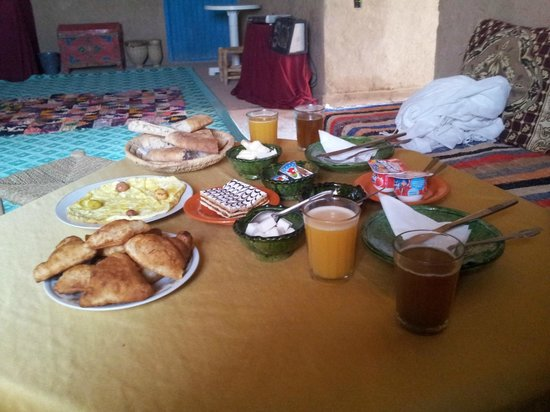 Dar el Khamlia : Breakfast at Brahim's house