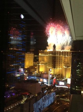 ARIA Resort & Casino: View from hotel room at fireworks