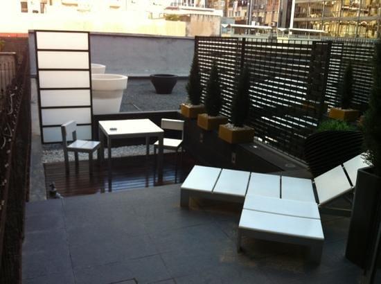 Sixtytwo Hotel: terrasse