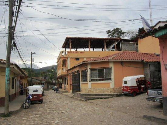 Hotel Graditas Mayas: Street view