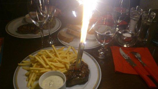 Buffalo Steakhaus: Voici le steack le jour de mon anniversaire!