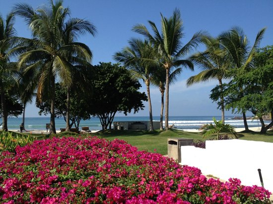 The St. Regis Punta Mita Resort: View while enjoying breakfast at Las Marietas