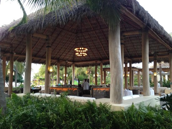The St. Regis Punta Mita Resort: Bar that serves awesome Margaritas