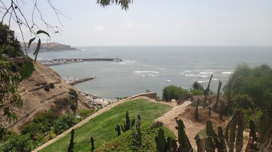 El Puente de los Suspiros: Vista do mar da ponta do Barranco