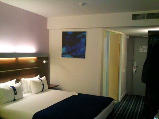 Holiday Inn Express Marseille-Saint Charles: Chambre