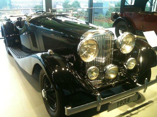 Volkswagen Auto Museum : A gorgeous Bentley