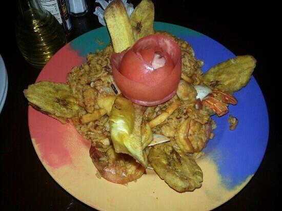 Genesis Restaurante : paella. So delicious!