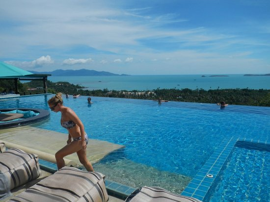 Mantra Samui Resort: Pool/Beach area