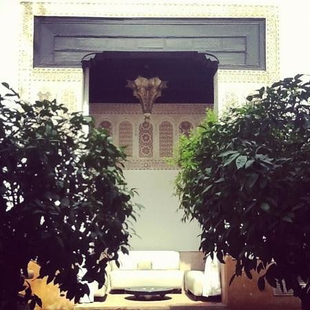Riad Farnatchi: one of the garden areas...